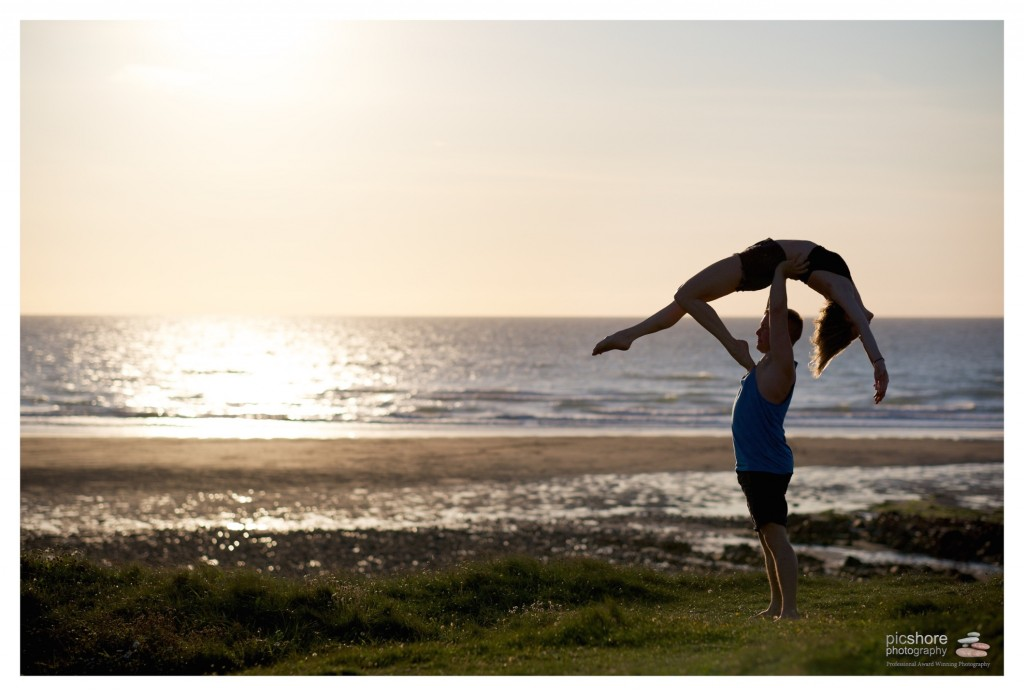 Sunset dancers beach photoshoot cornwall picshore photography 01